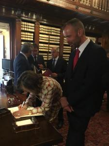 Cristicchi con Presidentessa Senato3